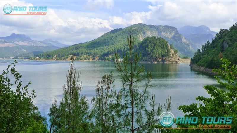 Пикник и рыбалка на озере Караджаорен